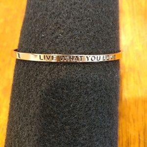 Jewelry - Gold tone statement bracelet